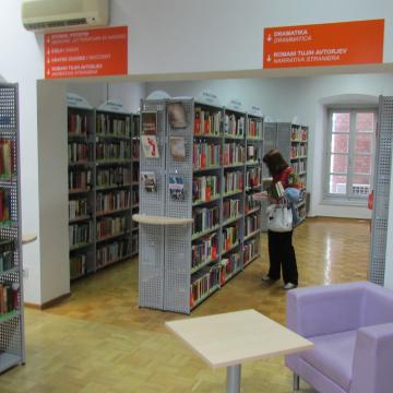 La biblioteca riapre a pieno regime