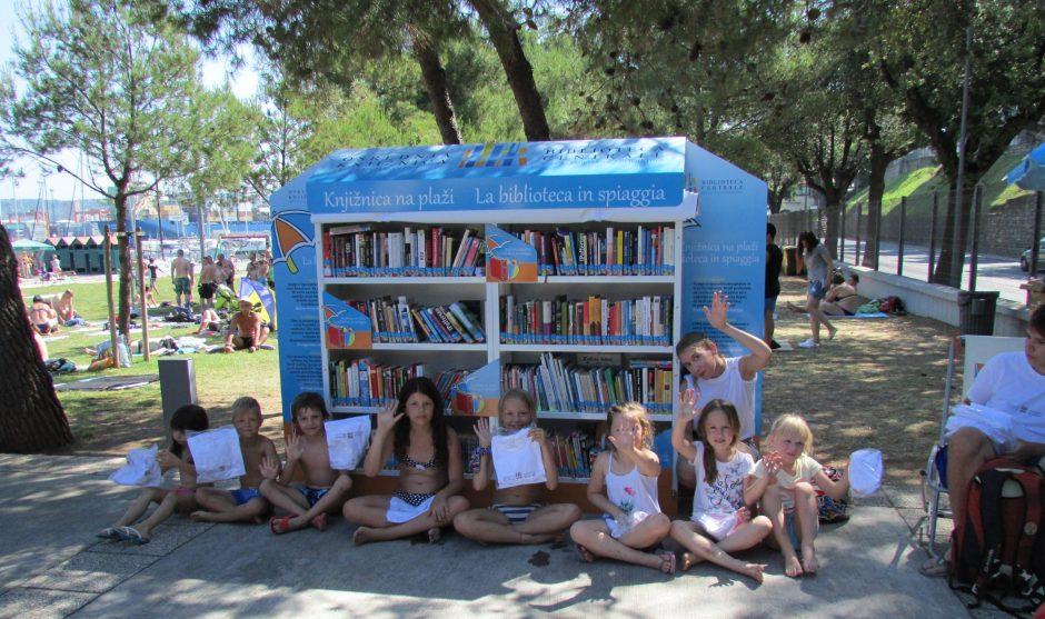 Knjižnica Na Plaži 1187 Scaled E1592336598562 940x557