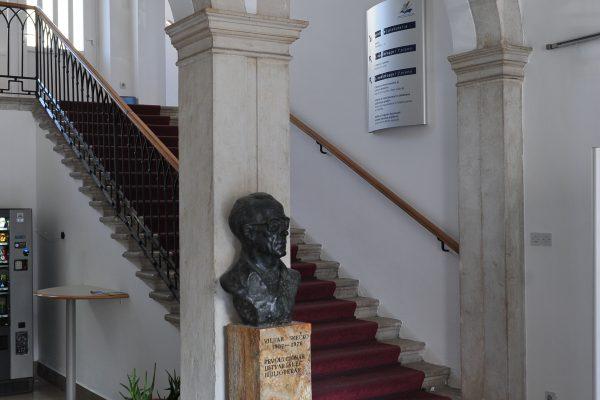 EPIDEMIA: La biblioteca centrale di Srečko Vilhar Koper rimane aperta secondo il programma stabilito per l'emergenza epidemiologica