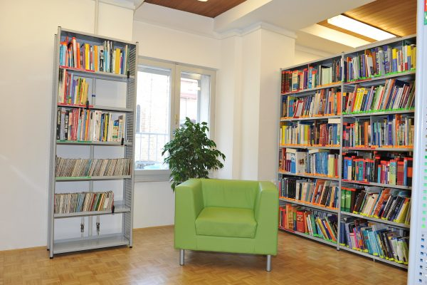 I dipartimenti della Biblioteca centrale di Srečko Vilhar Koper sono chiusi, ma noi restiamo con voi