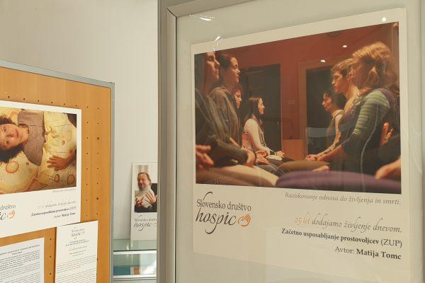 FOTO in VIDEO: Fotografska razstava ob 25. obletnici delovanja slovenskega društva Hospic