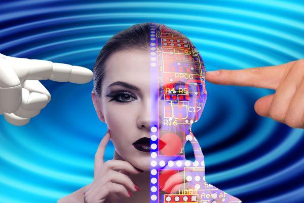 PRIMORSKI POLETNI FESTIVAL: Vse o spletni prihodnosti in virtualnem svetu