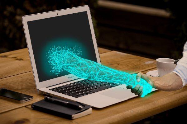 Mladi, pozor! Kakšne so vaše zahteve v digitalnem okolju? Kaj želite sporočiti svetu?